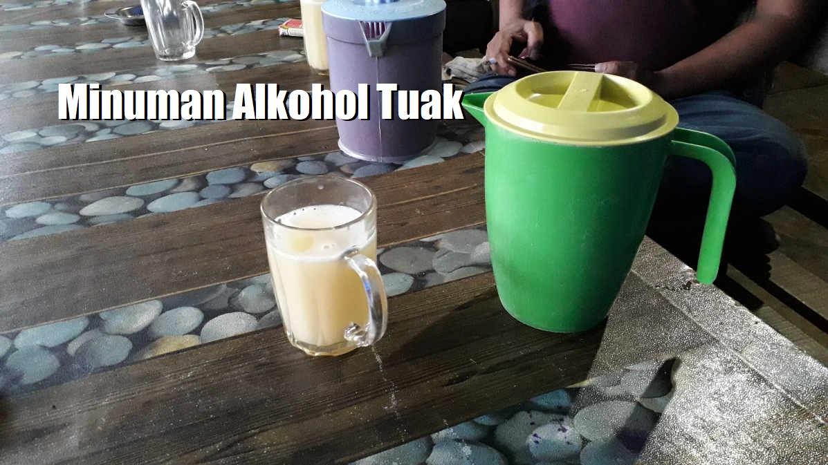 Minuman Alkohol Tuak